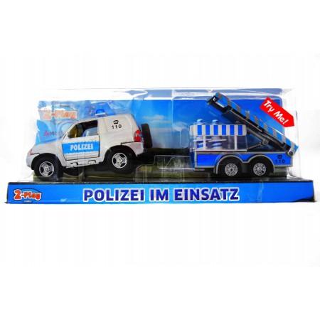 Auto policyjne ze świecącym znakiem